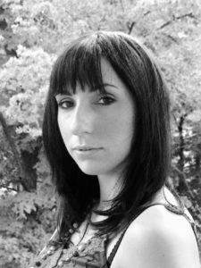 Kosmetikerin Carola Kunze